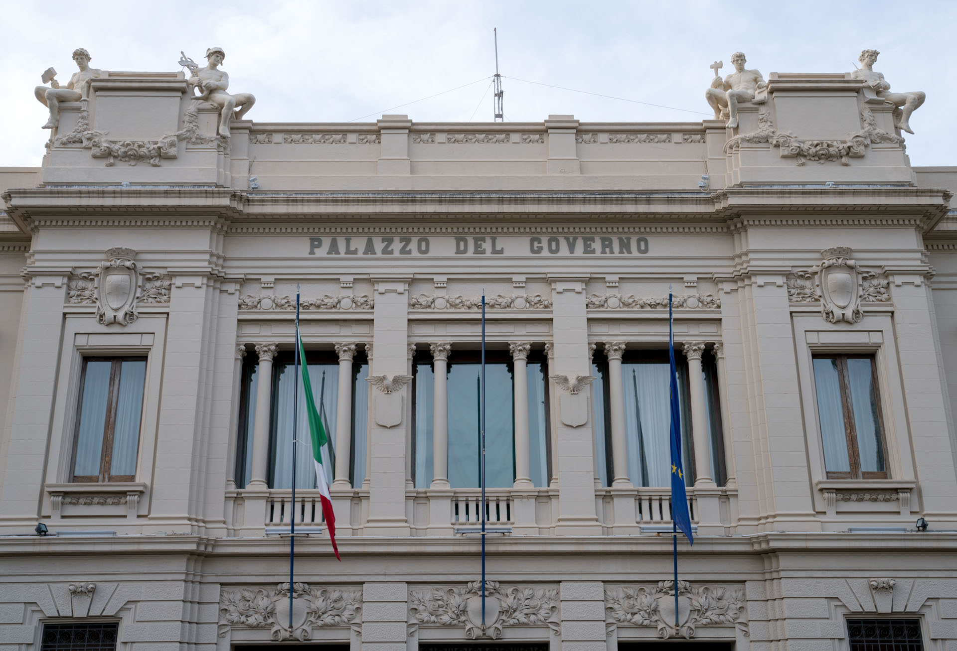 Referendum costituzionale, gli elettori italiani residenti all'estero possono votare per corrispondenza