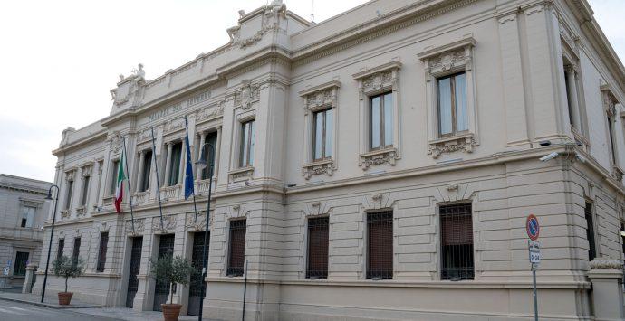 Coronavirus a Reggio Calabria, tre persone contagiate a spasso per la città. Denunciate