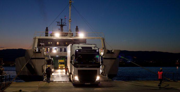 Coronavirus: Musumeci chiede al Mit un aumento dei traghetti sullo Stretto