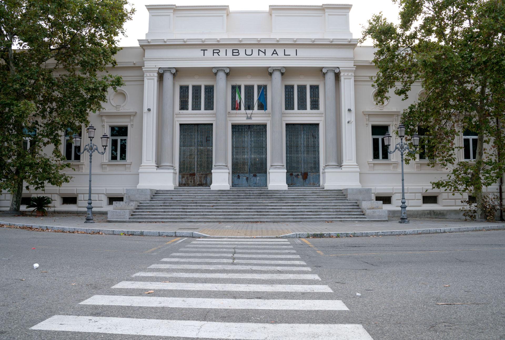 Pettorine di magistrati e avvocati realizzate da donne detenute
