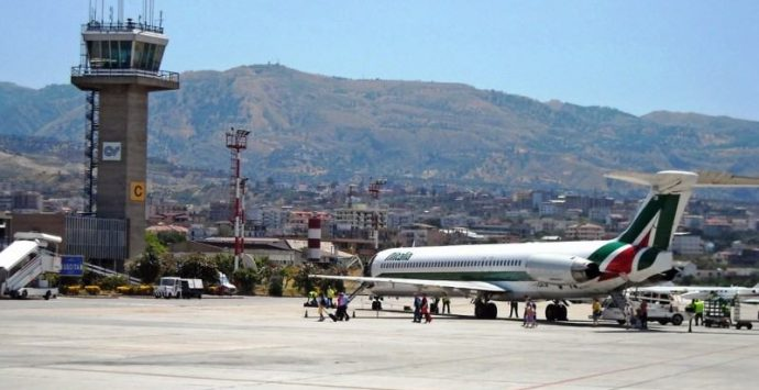 Aeroporto, Chizzoniti smentisce De Felice e Cannizzaro: «Spacciano un fallimento per un traguardo»