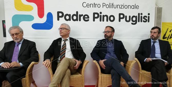 Il ministro Fioramonti a Polistena, confronto sui beni confiscati
