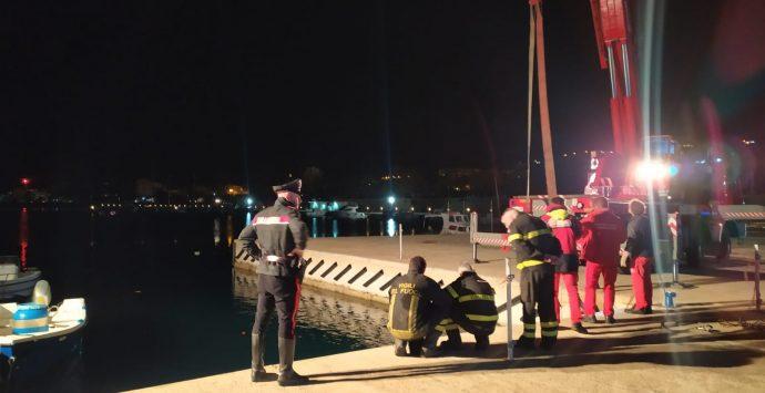 Villa S. G., auto cade in mare. Salvato un uomo