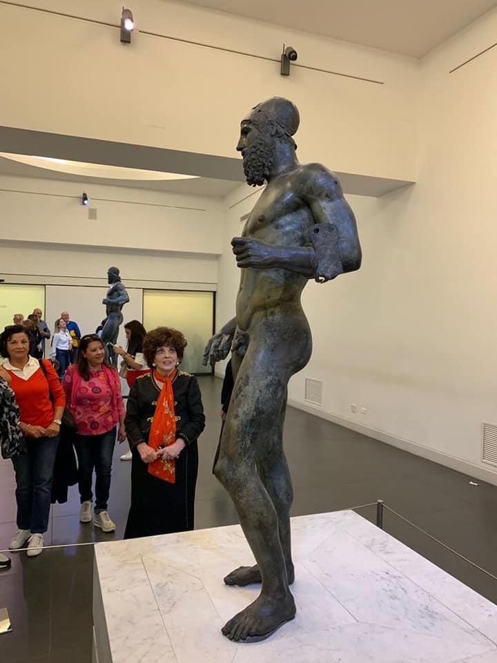 C'è pure Gina Lollobrigida in visita al MArRc a vedere i bronzi di Riace