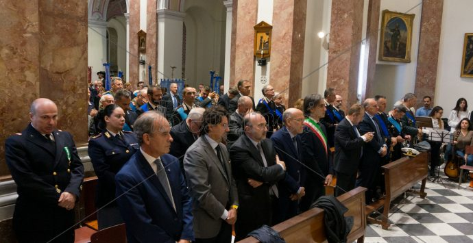 Reggio rende omaggio ai caduti. Oggi la cerimonia celebrativa