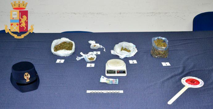 Rosarno, sorpresi con 300 grammi di cannabis, in manette 3 cittadini gambesi