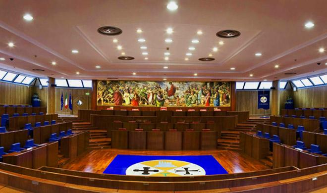 Tensioni nella maggioranza sulla data del voto: Consiglio slittato di 4 ore