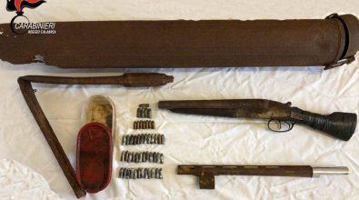 Bocale, i carabinieri scoprono tra i rifiuti un fucile a canne mozze