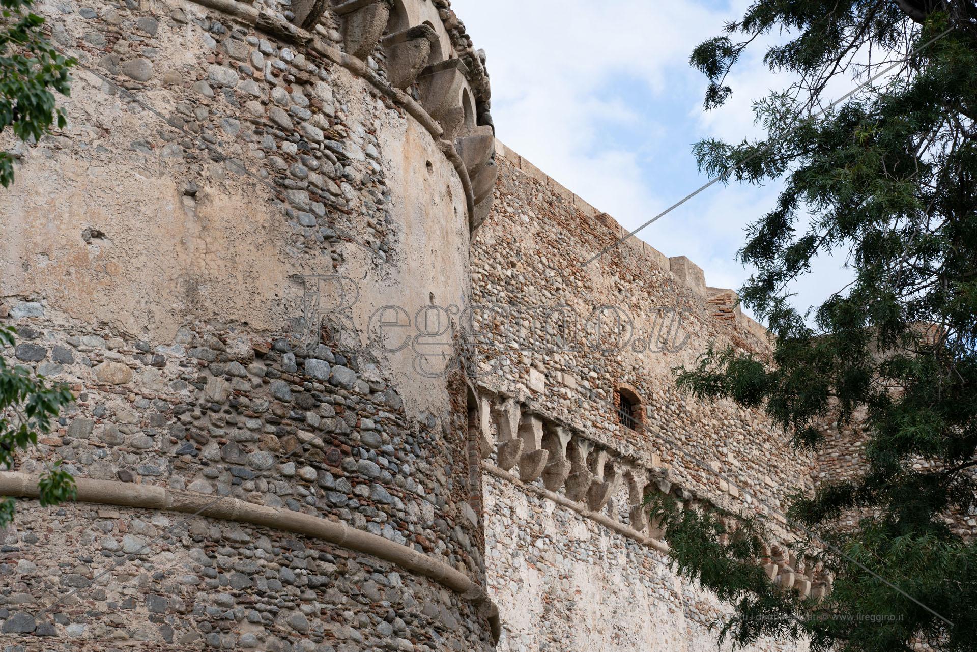 Cultura, riaprono al pubblico il castello Aragonese e la Pinacoteca