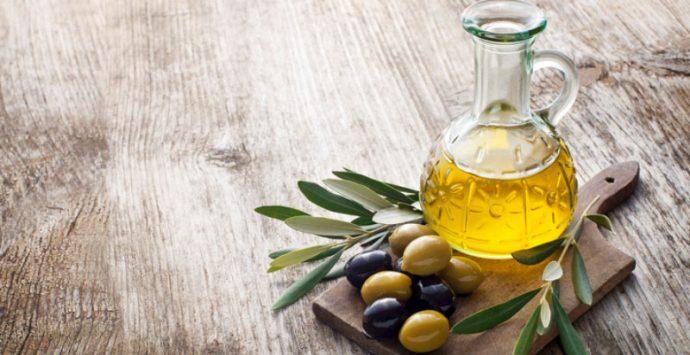 Nella festa degli antichi sapori sugli scudi l'olio di Portigliola