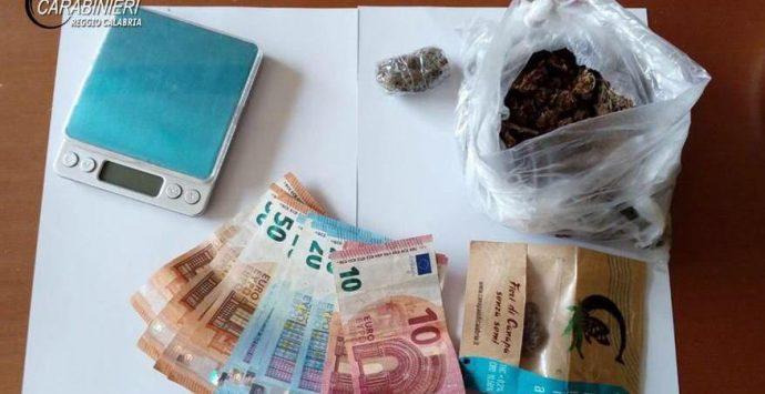 In manette 39enne reggino per spaccio di marijuana