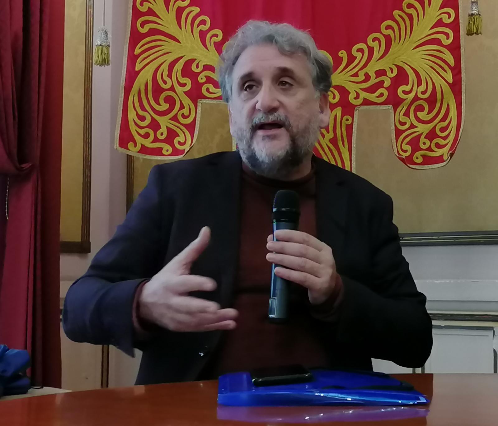 """Bronzi di Riace, al teatro Cilea approda la """"public history"""""""