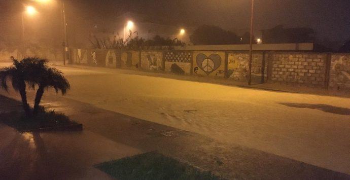 Situazione critica nella Locride, uomo bloccato in un sottopasso