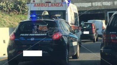 Reggio, ambulanza bloccata in autostrada a causa dei lavori