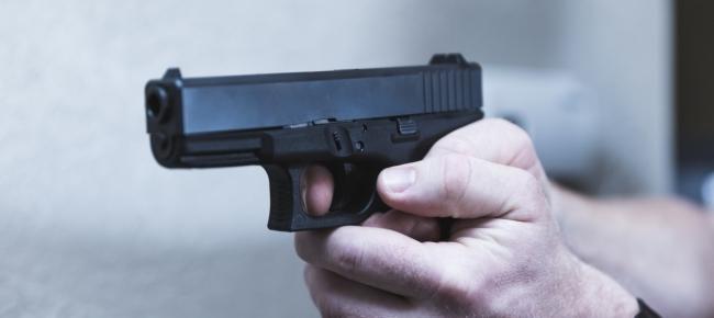 Reggio, giovane ferito a colpi d'arma da fuoco. Indaga la Polizia