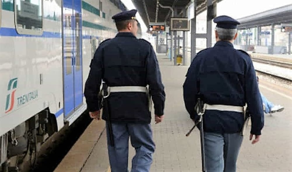 Coronavirus, controlli della polizia nelle stazioni reggine. Vertice in Prefettura