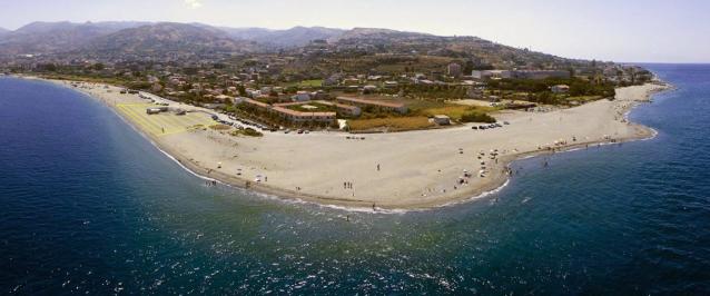 Reggio, cadavere ritrovato sulla spiaggia di Pellaro