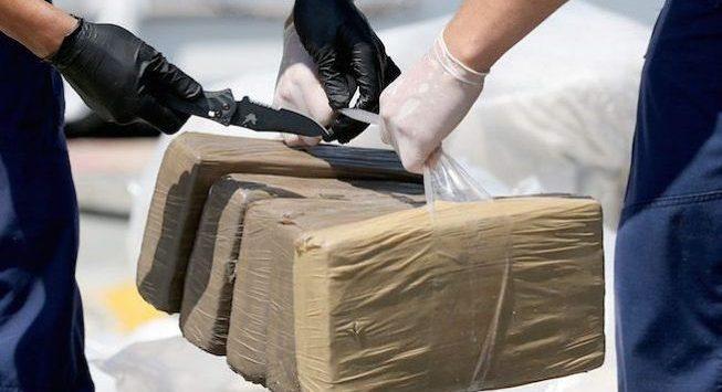 De Raho e Gratteri lanciano l'allarme: «Tonnellate di cocaina pronte per il mercato»