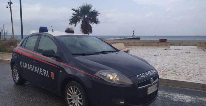 Gioia Tauro: tenta il suicidio, donna salvata dai carabinieri