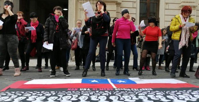 Violenza sulle donne, quel grido che parte dal Cile e arriva fino alla città dello Stretto