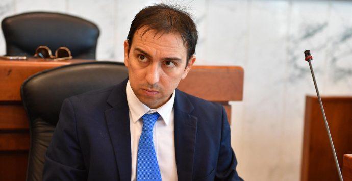 Emergenza rifiuti, Castorina: «La Regione paghi la differenza e ci faccia conferire in Puglia»