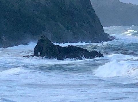 Maltempo, allagamenti a Scilla e Bagnara per il mare in burrasca