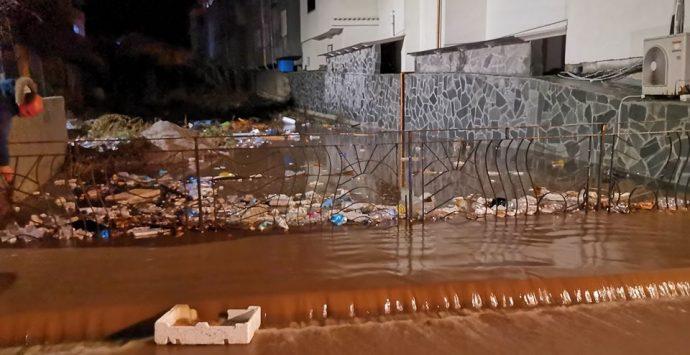 Bagnara, esonda il torrente Gaziano. È emergenza