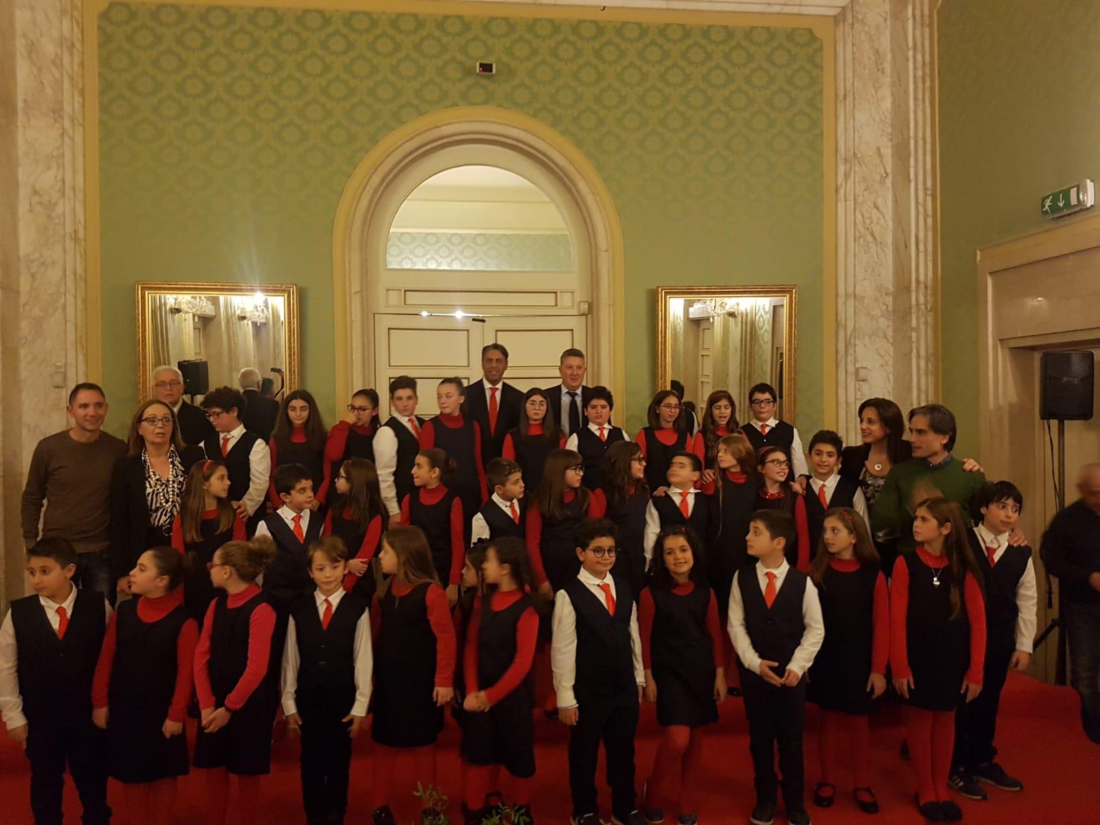 """Natale a Reggio, al """"Cilea"""" gli auguri in musica del coro scolastico comunale"""