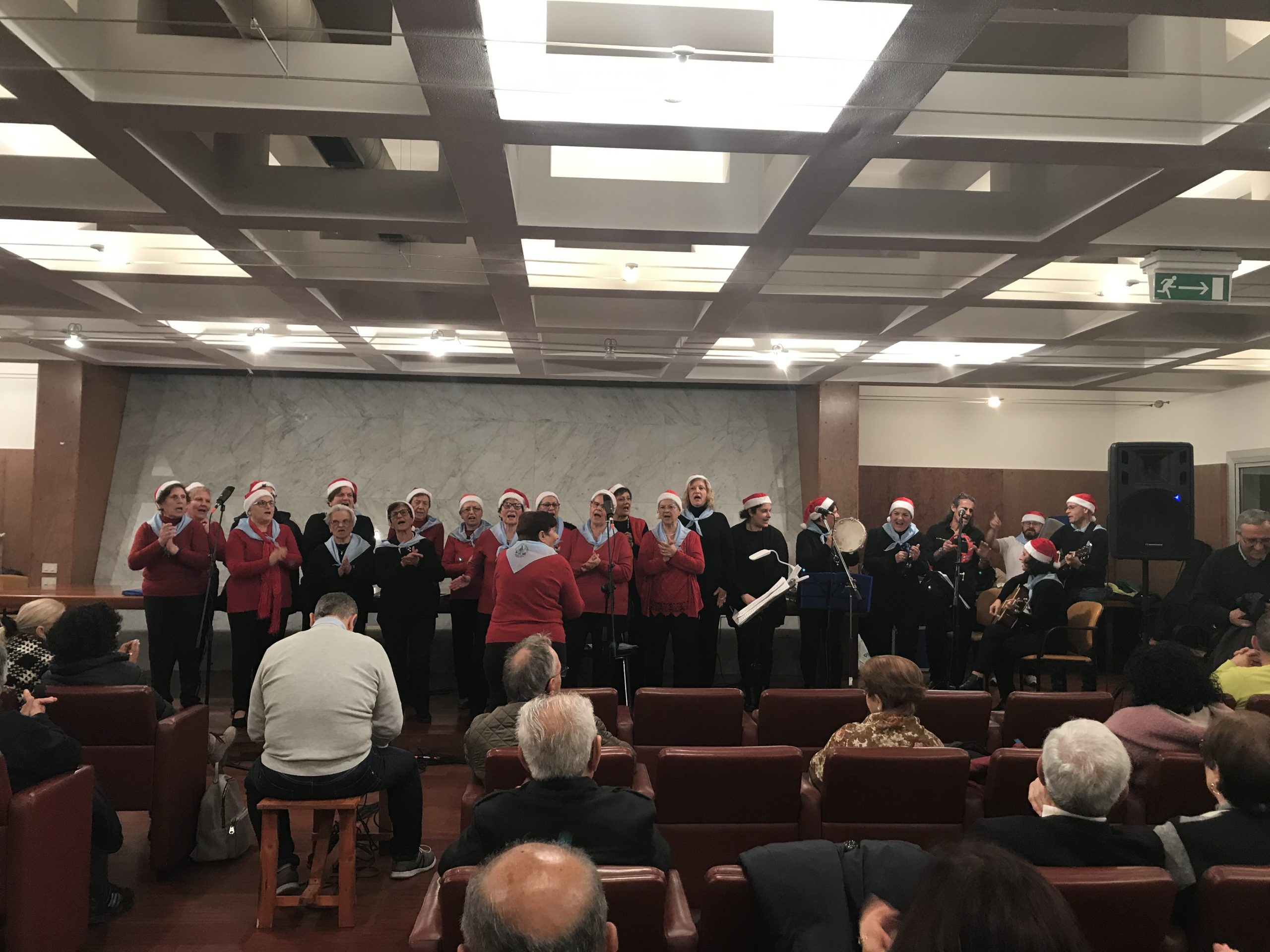 """Cultura, tradizioni e sapori: il Natale dell'associazione """"Anziani in movimento"""""""