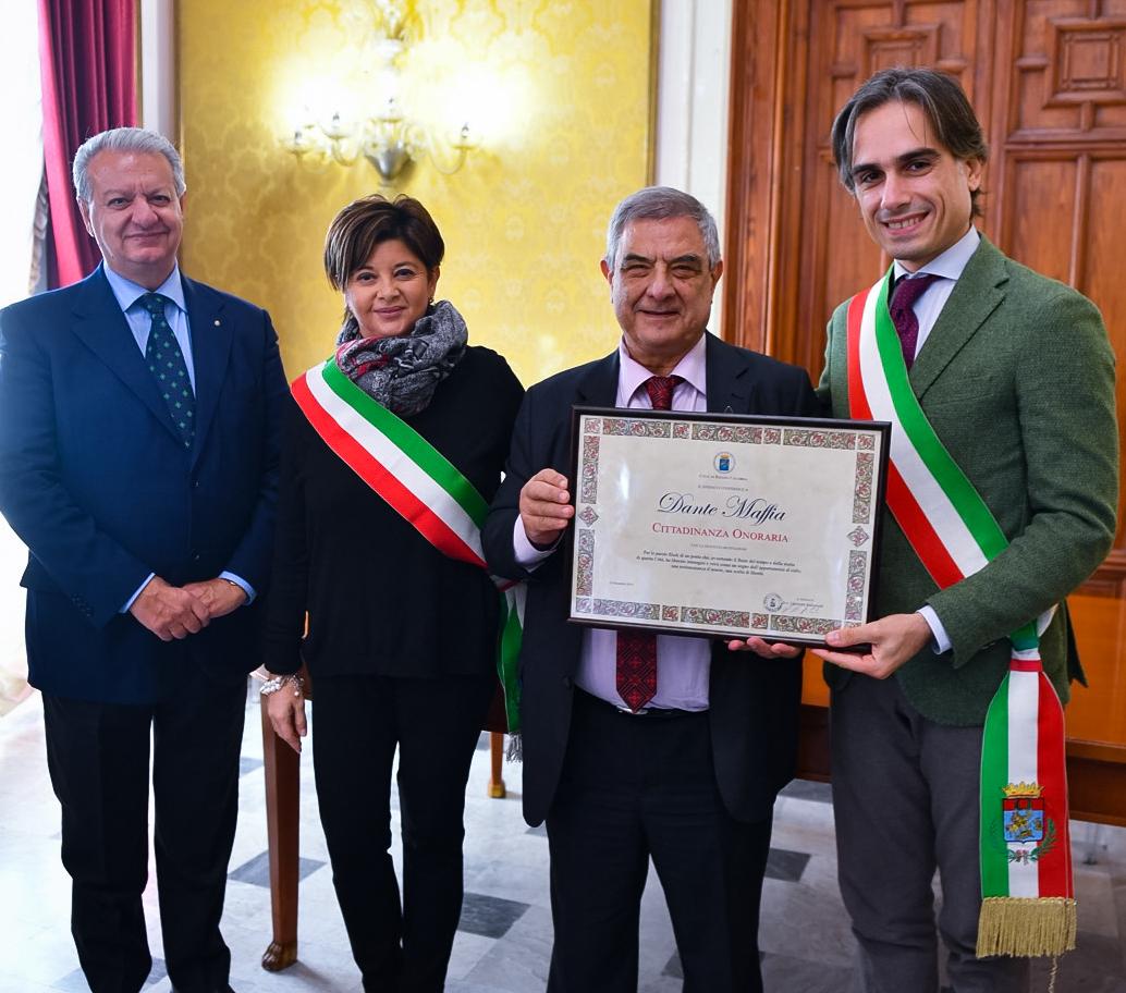 Il poeta Dante Maffia nuovo cittadino onorario di Reggio
