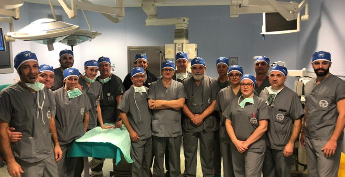 Falcomatà: «Orgoglioso per l'equipe medica reggina che ha operato in diretta con i migliori ospedali del mondo»