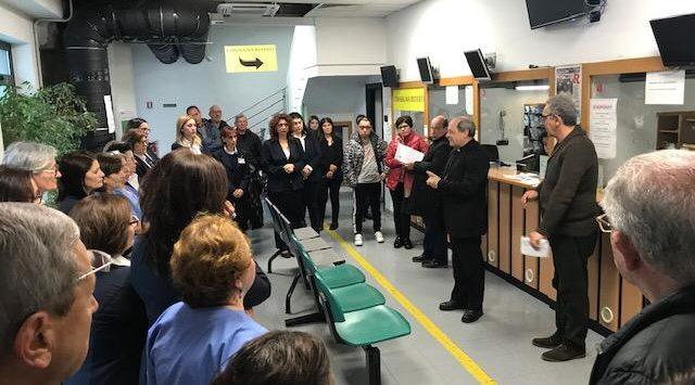Siderno, il vescovo Oliva incontra i lavoratori dello Studio Radiologico