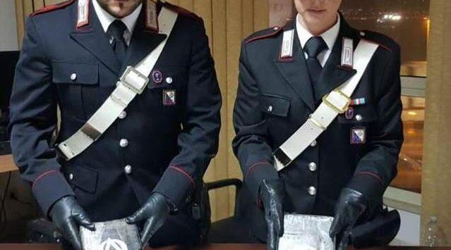 In auto con 5 chili di cocaina, arrestati due siciliani a Villa