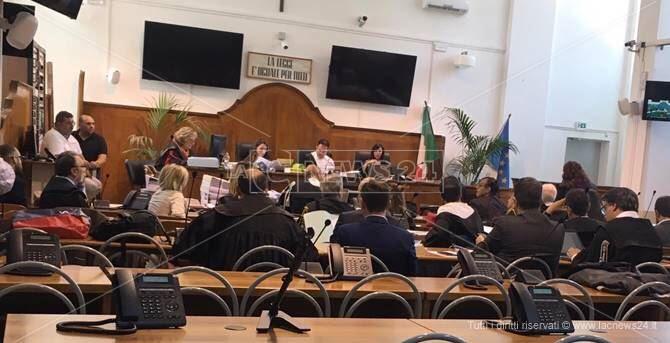 Processo a Lucano, il teste dell'accusa: «Mai minacciato dall'ex sindaco»