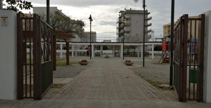 """Playground, giostre e nuovi servizi. Riaperto il parco """"Botteghelle"""""""