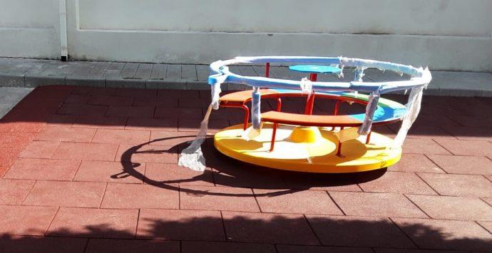 Scuole sicure e belle a Reggio: arrivati i nuovi arredi e attrezzi sportivi per le palestre scolastiche