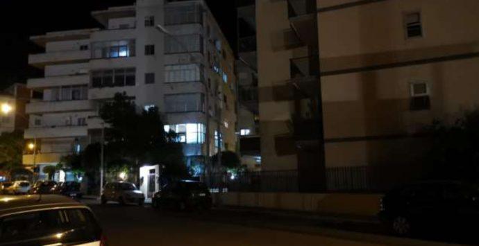 Reggio Calabria, la traversa nona del Viale Calabria ancora al buio