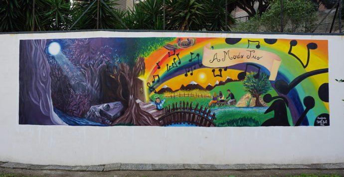 """""""Casa di Benedetta"""", il murales che racconta il passaggio verso la luce"""