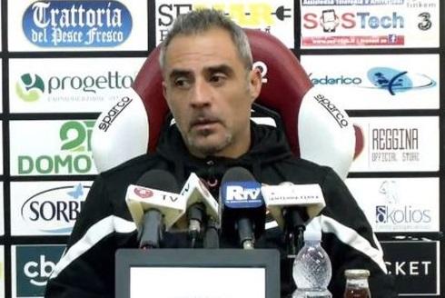 Reggina, Toscano non si fida del Catania: «In campo aggressivi e compatti»