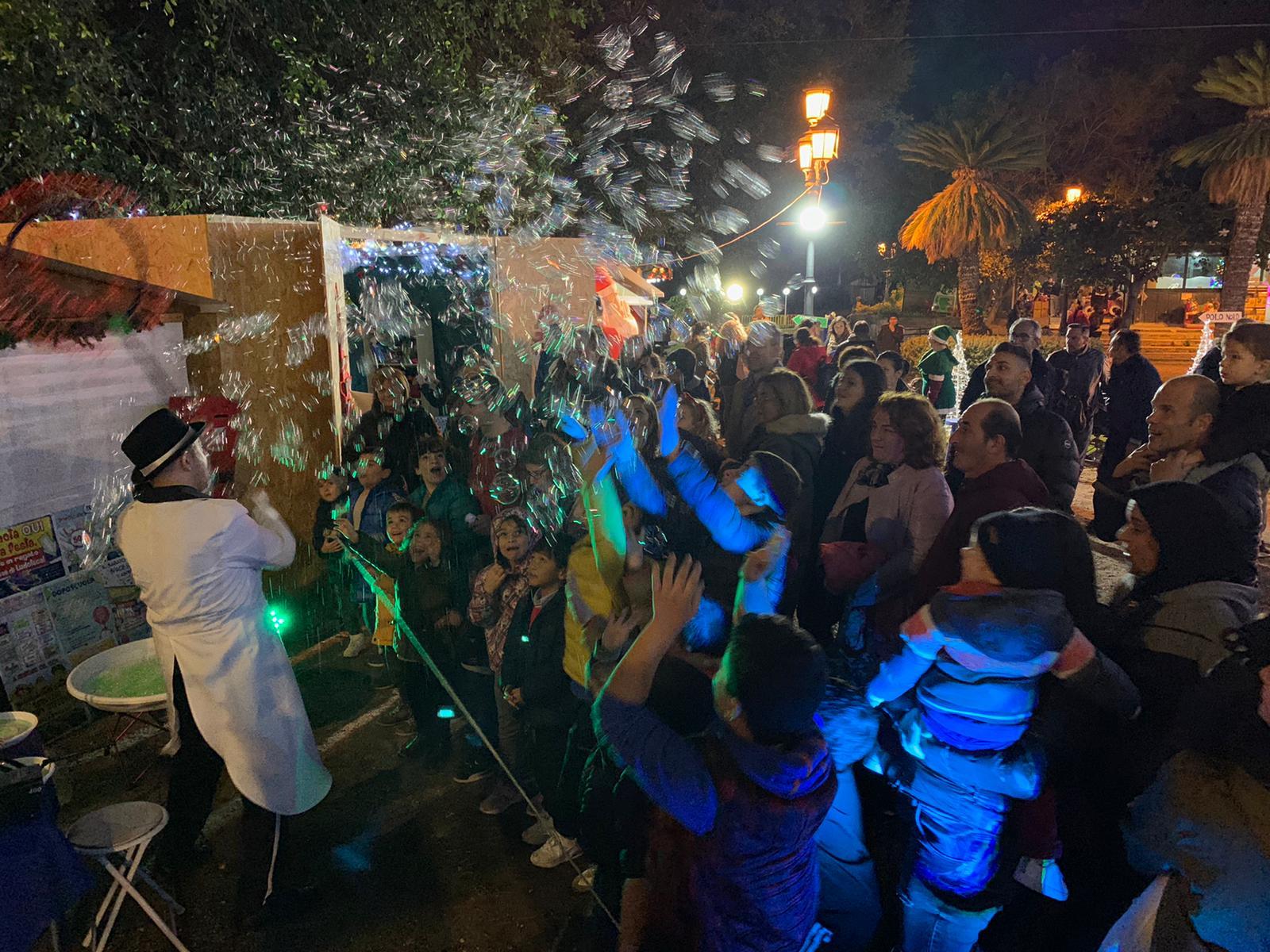 La magia del villaggio di Santa Claus accende il Natale nella villa comunale