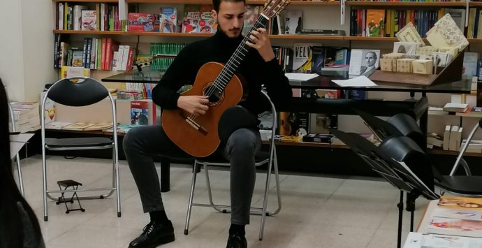 """Mediterranean Guitar Ensemble"", dal barocco alla musica contemporanea"