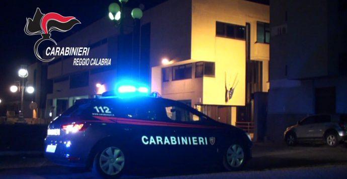 Maltrattava la madre e la sorella, arrestato dai carabinieri