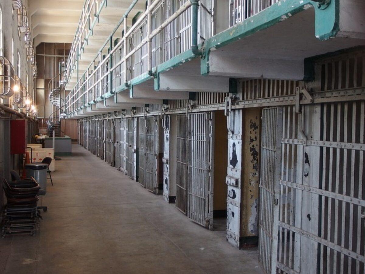 Gip non fissa interrogatorio: ex latitante esce dal carcere