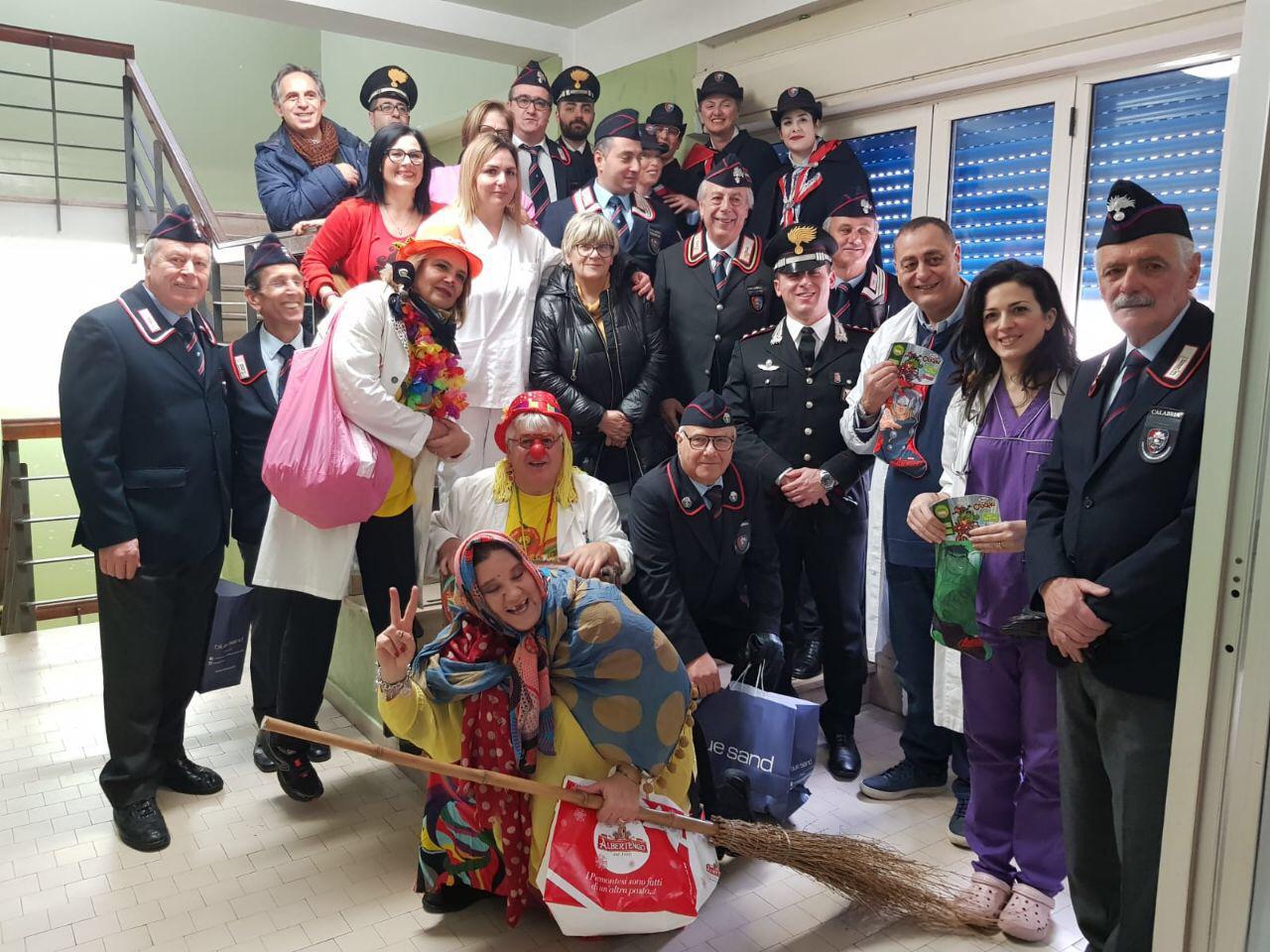 La vicinanza dei Carabinieri ai bambini ricoverati a Polistena