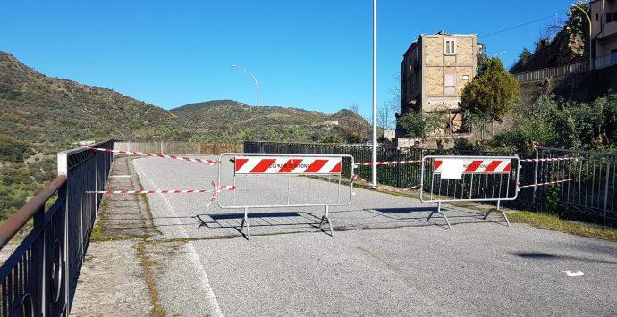 Bivongi, chiuso al traffico il ponte Migliolo. Il sindaco: «Motivi di sicurezza»