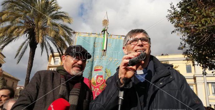 Tutti con Gratteri, in migliaia a Catanzaro per il procuratore: segui la diretta