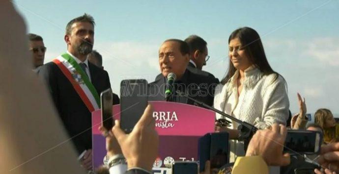 Berlusconi in Calabria: «La Santelli non me l'ha data»