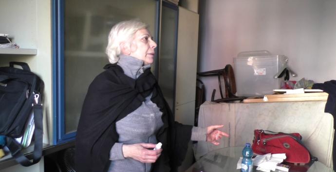 """""""Un mondo di mondi"""": «Il sindaco assegni un alloggio alla signora Ferraro»"""