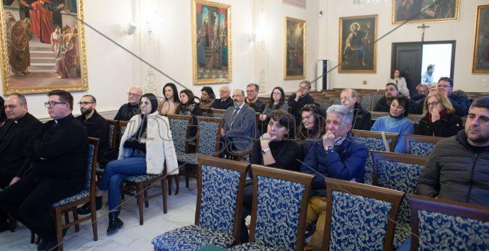 """""""La bellezza del crocifisso"""", si rinnova il dialogo tra fede e arte contemporanea"""