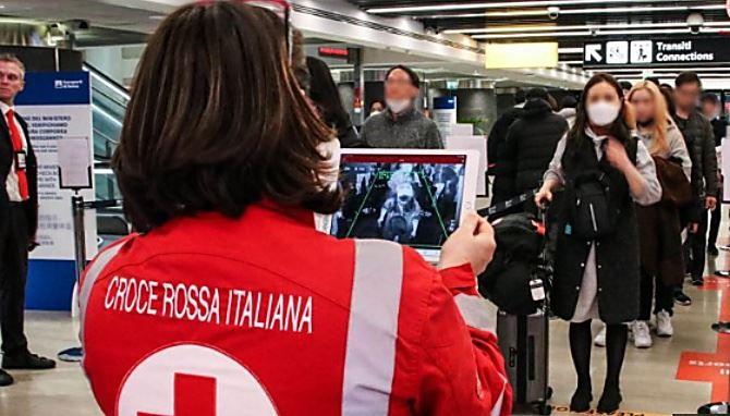 Coronavirus, controlli negli aeroporti di Reggio e Lamezia sui voli nazionali